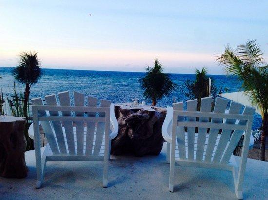 The Lombok Lodge : Beach bar