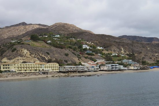 Malibu Pier: View from Pier to Shore