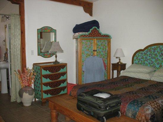 Cross Creek Cottages: Large Bedroom