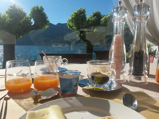 Hotel Ristorante Taverna Bleu : Breakfast