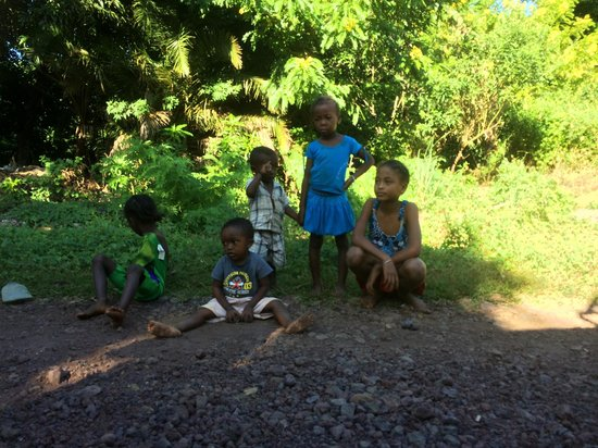 VOI Amarina resort : Alcuni bambini del villaggio