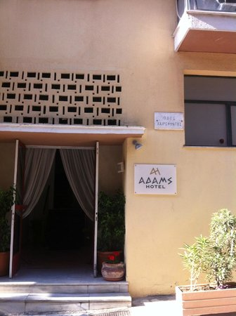 Adams Hotel: dificil de encontrar