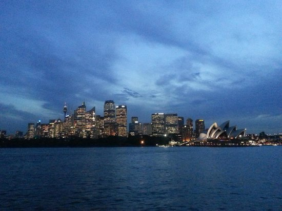 Sydney Ferries: Spectacular Sydney at sunset