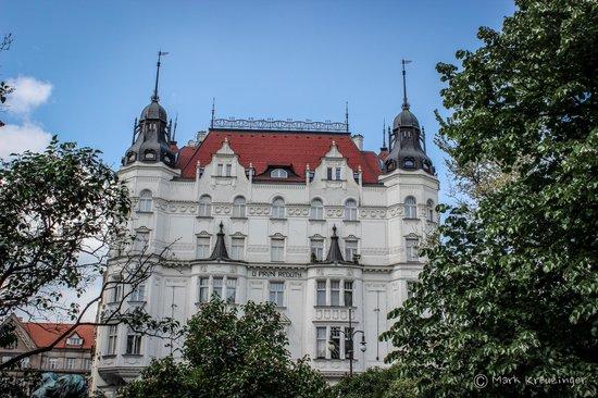 The Naked Tour Guide : Prag während der Stadtführung