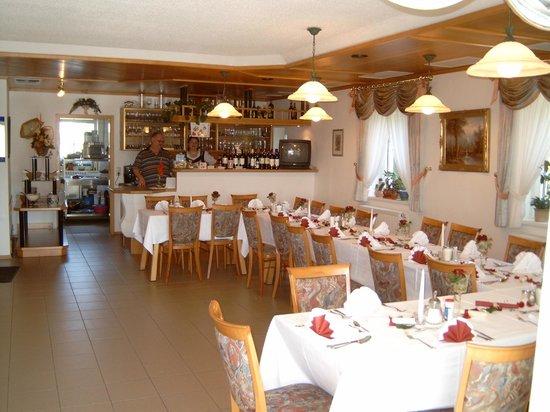 Landhotel Eibl: Zur Halbpension können Sie sich im Restaurant wohlfühlen