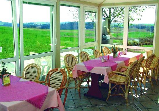 Landhotel Eibl: Schöne Aussicht aus dem Wintergarten
