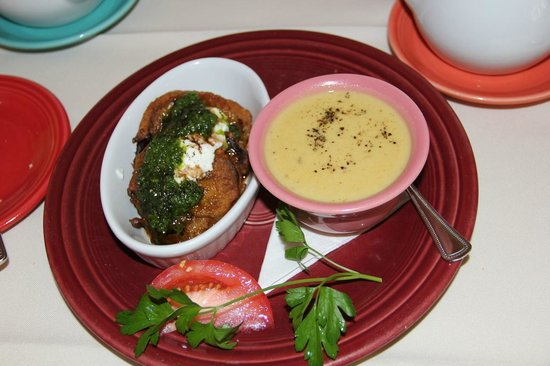 Charlotte Lane Cafe & Crafts: Egg plant dish with homemade soup