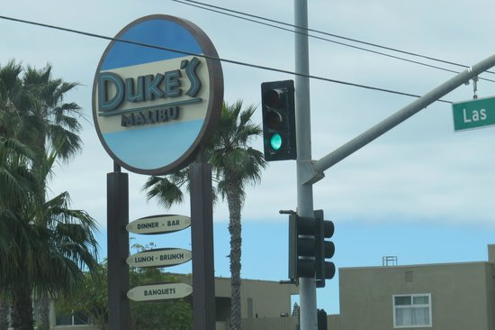 Malibu Colony: Drop in to Dukes