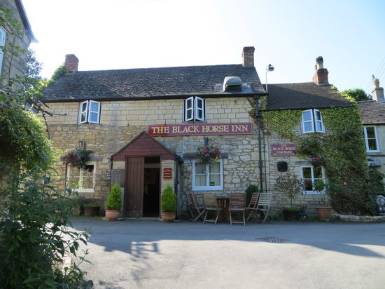 Cranham, UK: A lovely country pub situated on the Cotswold Way