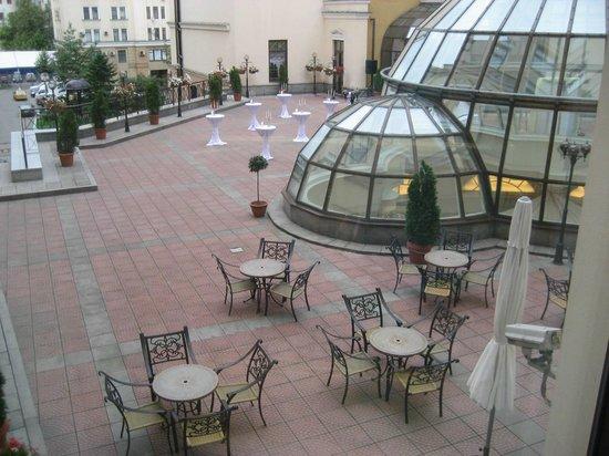 Moscow Marriott Grand Hotel: la terrasse et la coupole de la réception