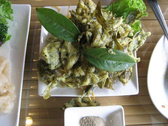 Maokong mountain: 茶葉の天ぷらは美味