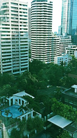 Hotel Windsor Suites & Convention Bangkok: city view