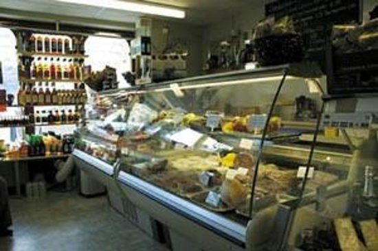 Deli-cious: Quality Delicatessen & Fine Wines - The best sandwiches/salads made to your liking!