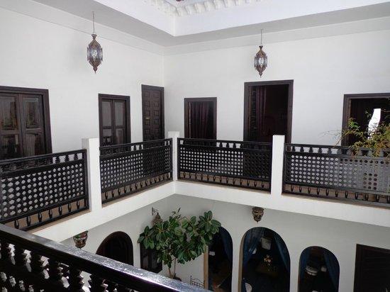 Riad Les Trois Mages: interior of riad