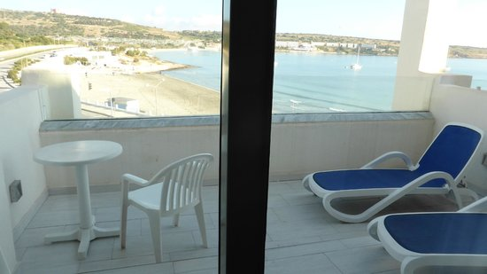 db Seabank Resort + Spa: Sea view balcony with terrace (deluxe room)