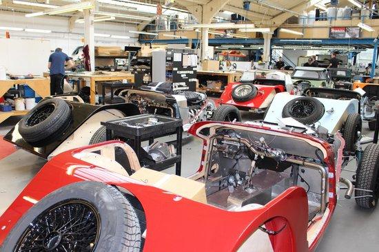 Morgan Motor Company: Many colours