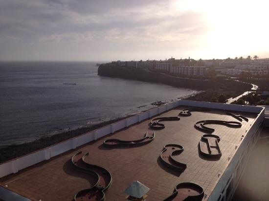 Sandos Papagayo Beach Resort: view from chill out terrace at sunset