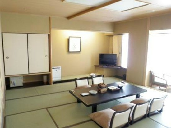 Yumotokan: 12畳の部屋