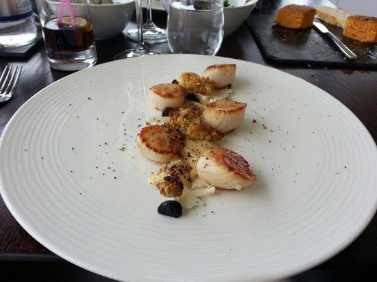 The Seafood Restaurant: Délice de noix de saint jacqués et purée de choux fleur