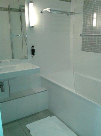 Hôtel du Parc : La salle de bain