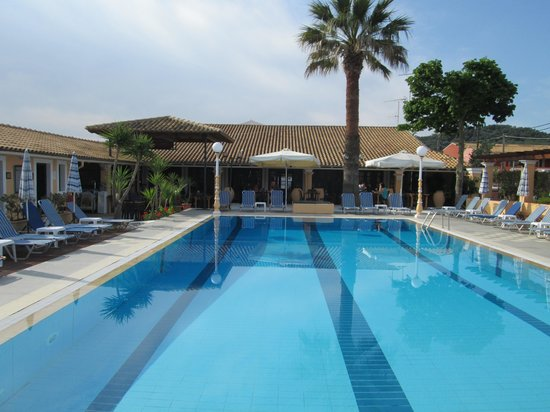 Summertime Hotel Apartments : pool