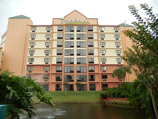 Radisson Resort Orlando-Celebration : One of the buildings of the hotel