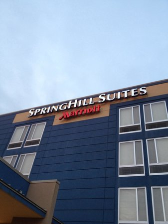 SpringHill Suites Macon : Front