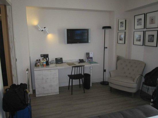 Hotel Barcelona Catedral: room