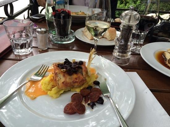 Café Wintergarten im Literaturhaus Berlin: excellent food- fish.....so fresh