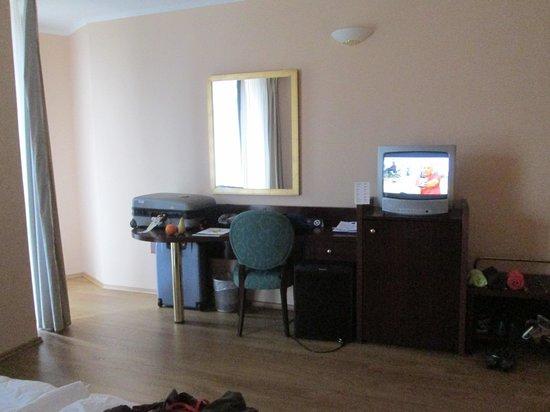 Iberostar Bellevue: coin bureau chambre