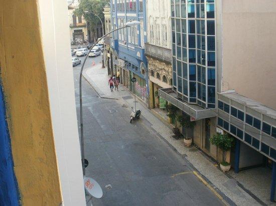 Lapa Hostel: Vista do quarto que ficamos hospedados.