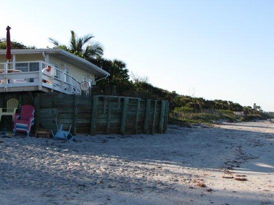 Pearl Beach Inn: On the Water