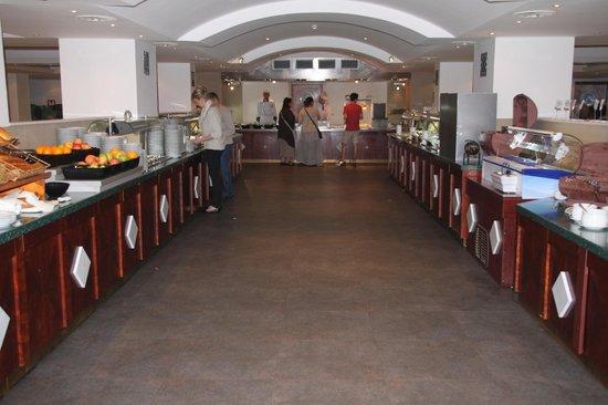 Iberostar Bellevue: restaurant