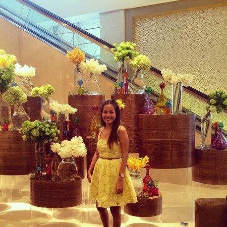 Address Dubai Mall: Hotel Lobby