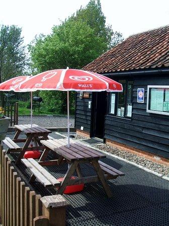 Mill Hill Farm Caravan & Camping Park: Reception/Shop