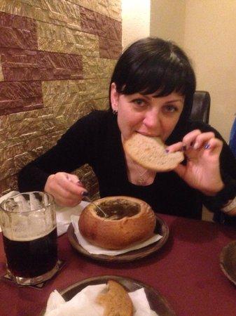 Karavella : Чесночный суп в хлебе
