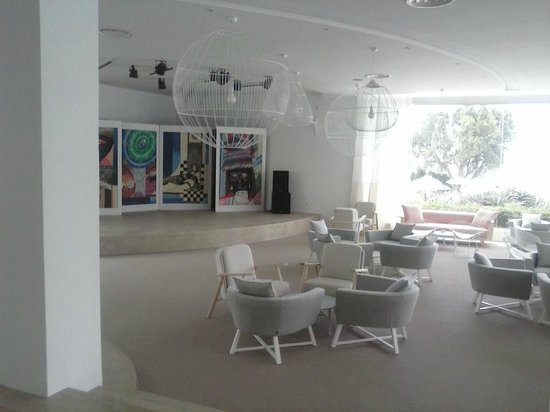 SENTIDO Le Sultan : Entertainment area and All inclusive bar