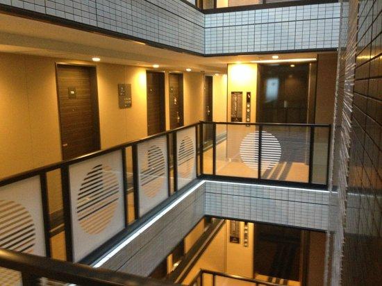APA Hotel Ginza Kyobashi: 中央吹き抜け