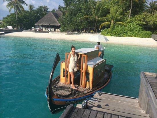 Four Seasons Resort Maldives at Kuda Huraa: Dhooni to the Island Spa