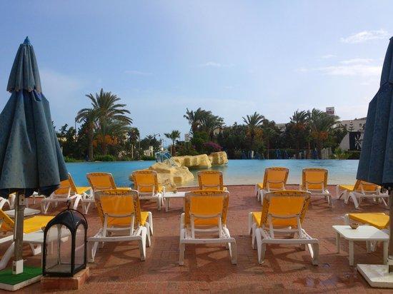 Medina Belisaire & Thalasso: main pool