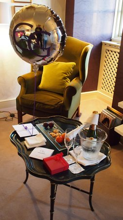 Chewton Glen Hotel & Spa: Nice Welcome for Special Occasion
