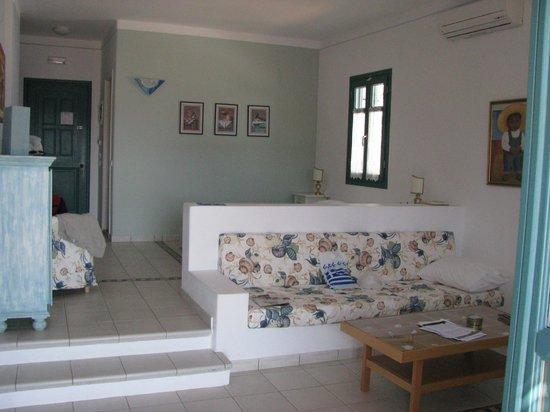 Nefeli Hotel Lipsi: Zona giorno dello Studio
