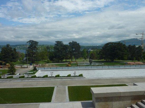 UNOG - Palais des Nations: Sculpture Park