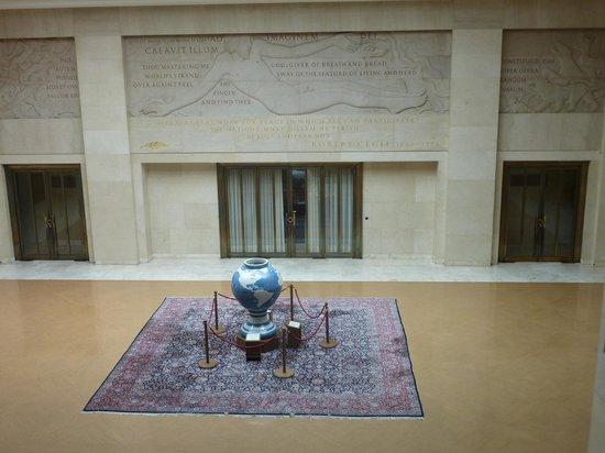 UNOG - Palais des Nations: Blue vase from Japan, rug from Japan.