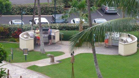 Marriott Ko Olina Beach Club: コナタワー前のBBQグリルエリア