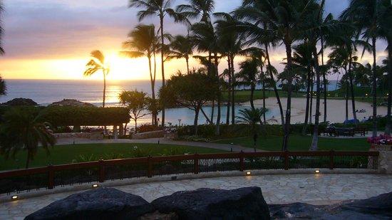 Marriott Ko Olina Beach Club: ラグーン越しに眺める夕陽