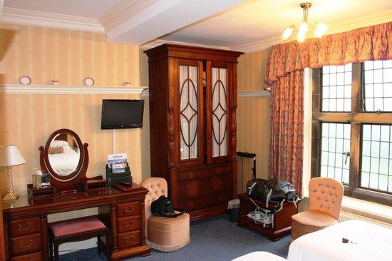 Dunsley Hall: Room