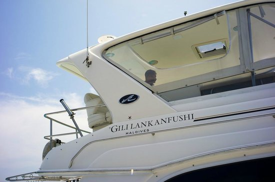 Gili Lankanfushi: the yacht that picked us up from the airport