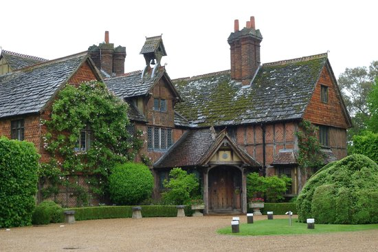 Langshott Manor Hotel Gatwick : Exceptionally beautiful Manor House hotel