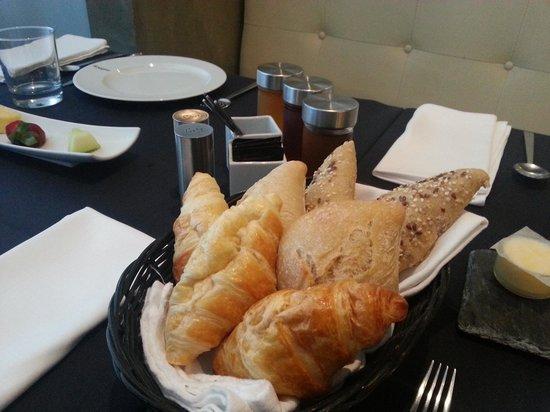 9HOTEL MERCY: desayuno